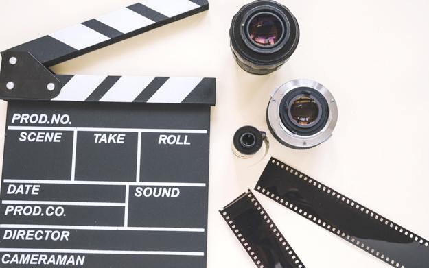 Filmklappe mit Filmspulen.jpg